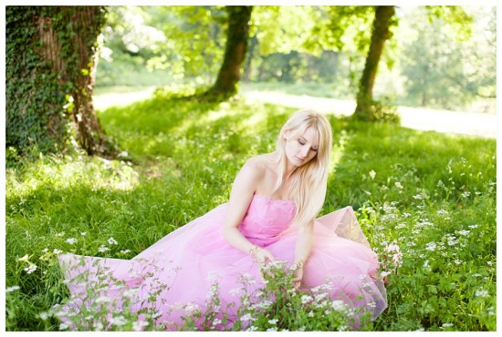 dziewczyna sesja różowa sukienka balowa