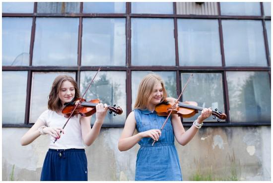 photography - sisters - love - violonist - judytamarcol fotografia (19)