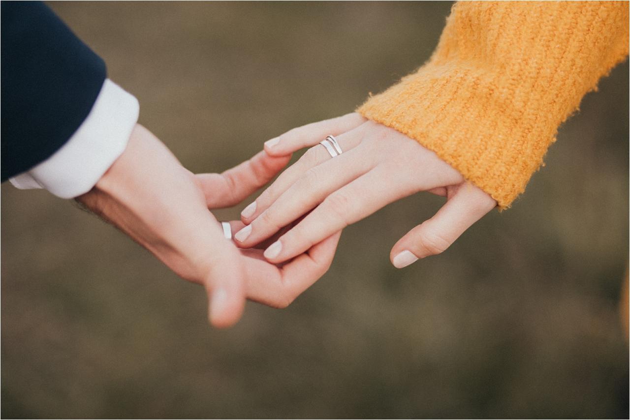 jesień wgórach, sesje fotogaficzne jesienne, kolory jesieni, plener ślubny jesienią, dotyk, czułość